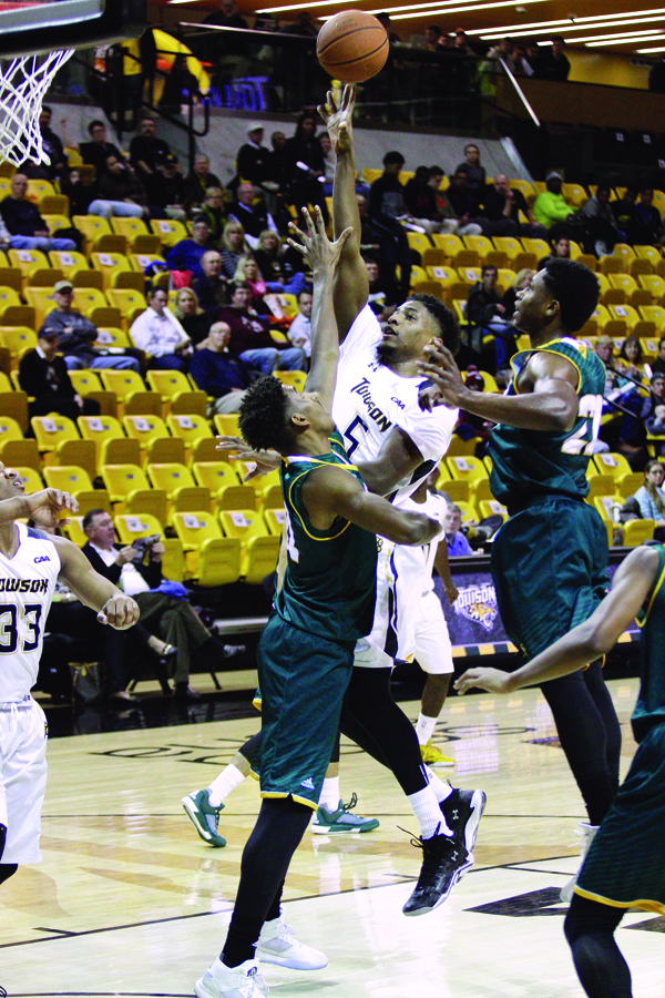 Men's Basketball vs. George Mason University 002 - Burke
